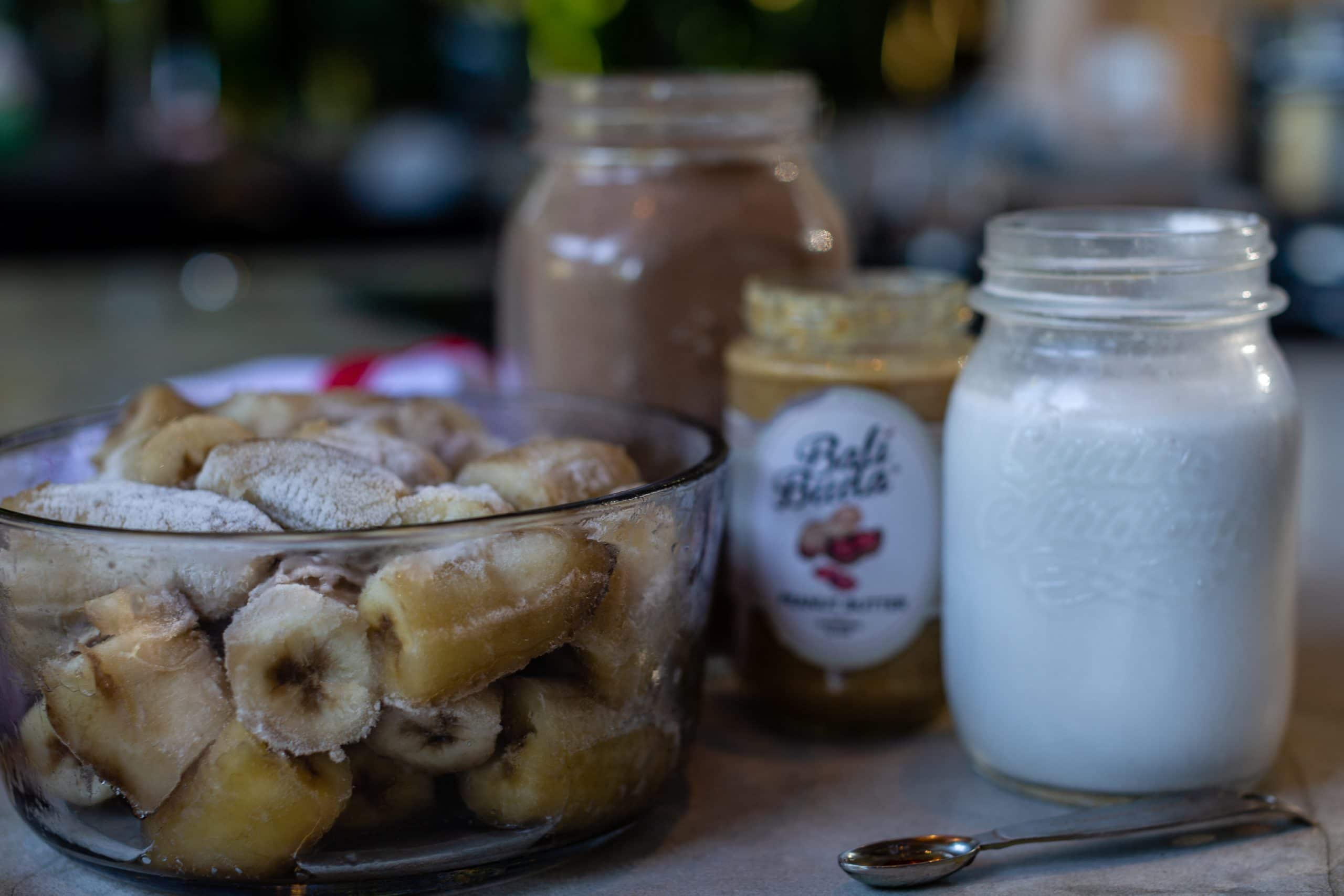 Chocolate Peanut Butter Smoothie Ingredients