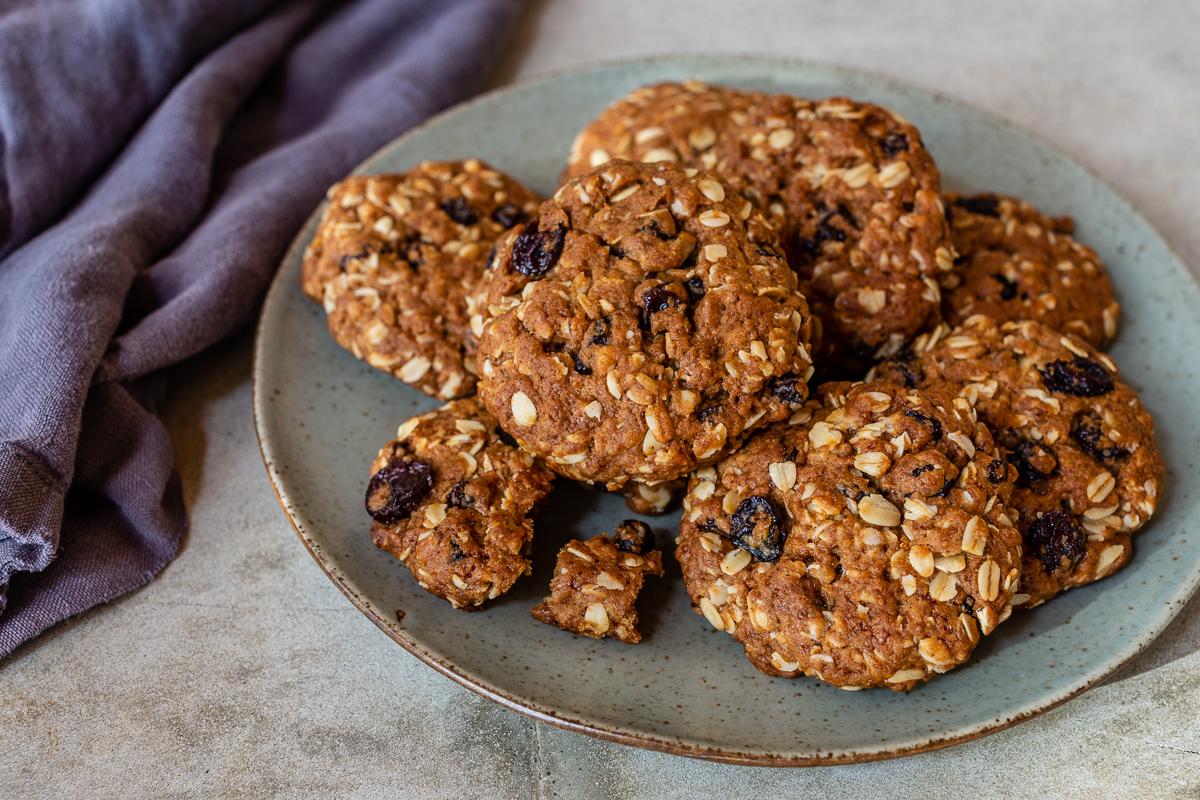 Oatmeal Raisin Cookies Easy